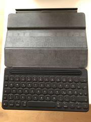 Apple Smart Cover Keyboard Ipad