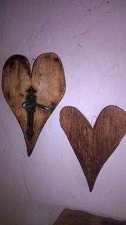 Holzherz aus 300 jahre alten