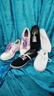 3 Paar Schuhe Nike Sportschuhe
