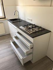 Schöne fast neue Küche zu