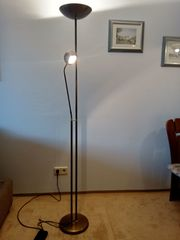 Wohnzimmer Stehlampe Altmessing abzugeben