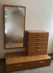 Kommode und Spiegel fürs Schlafzimmer