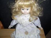 Keramik Puppe mit Kleid blond
