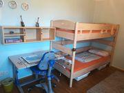 Kinderzimmer Jugendzimmer mit Schreibtische und