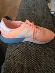 neue Adidas Sneaker - SUPERSCHNÄPPCHEN