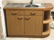 Küchenkasten mit Abwasche