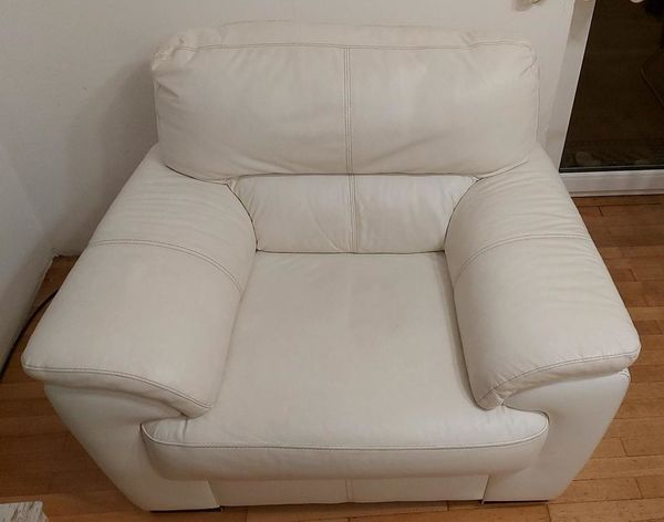 Couch 3 2 1 in