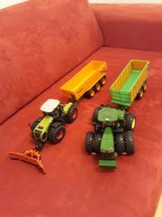 2 Traktoren mit Anhänger Top