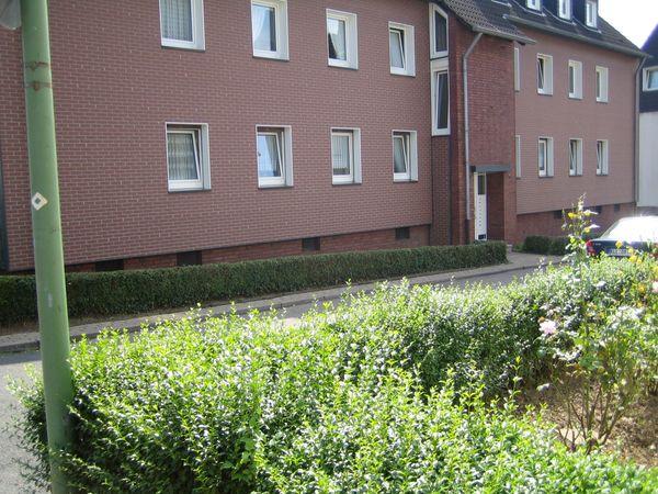 3 5-Zimmer-Wohnung mit Balkon ab