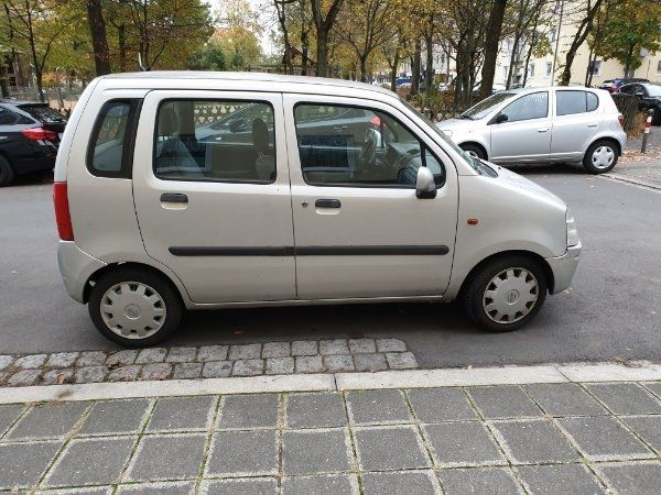Opel Agila bj 2001 mit