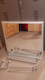 Badezimmerspiegel samt Ablage Handtuchhalter und