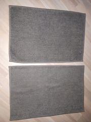 2 Duschmatten grau