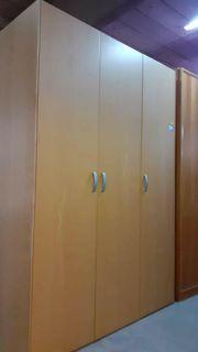Kleiderschrank 3 türig 252x220x62 hochwertig -