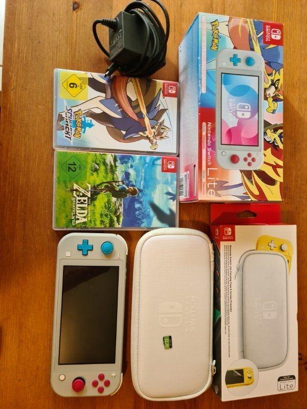 Nintendo Switch Lite mit 2