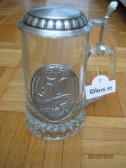 Glas Bierkrug mit Zinndeckel und