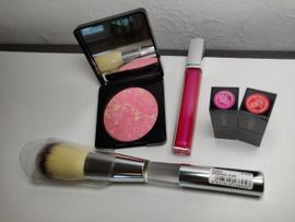 Kosmetik und Schönheit - MakeupSet Pinsel Blush Lippgloss Lippenstift