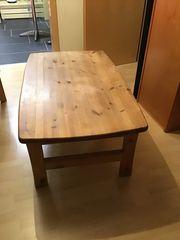 Massiver Holz Couchtisch günstig abzugeben