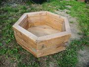 Großer 6-Eck-Pflanzkübel aus Holz neuwertig