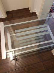 Rollbarer Alu- Glastisch 4 Rollen