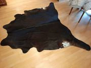 vergebe Kuhfell-Teppich Schwarz