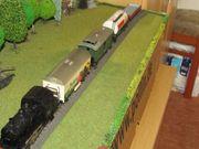 Märklin Dampflok mit Güterwagen