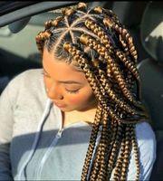 Braids cornrows Haarglättung Haarverlangerung Twist