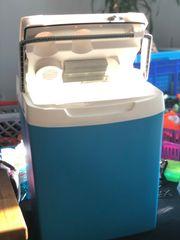 Kühlbox Kühltruhe für Auto unterwegs