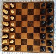 Schach aus Holz mit Schach-