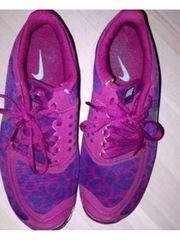 Turnschuhe Nike lila Gr 38