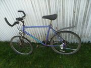 Defektes Fahrrad für Ersatzteile