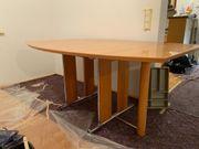 Esszimmer-Tisch