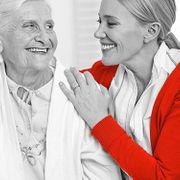 Bedürftigen Menschen helfen - Pflegehelfer mit