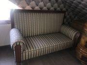 Antikes Sofa mit Stil neuer