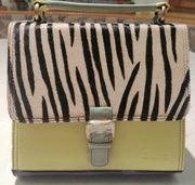 Neue Damentasche
