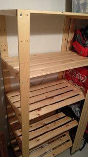 Regale aus Holz Kunststoff und