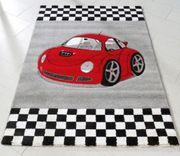 Kinderteppich mit Sportwagen