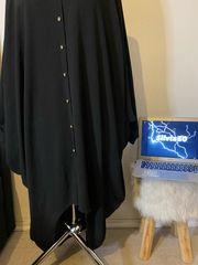 Schwarze Bluse mit Akzenten Größe