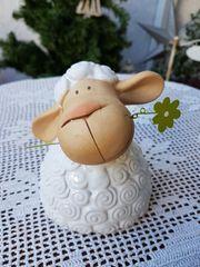 Neuwertiges süßes Keramik-Schaf Marie
