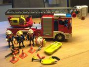 Playmobil Feuerwehr Leiterfahrzeug 4820 4675