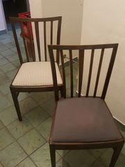 4 schöne alte Stühle
