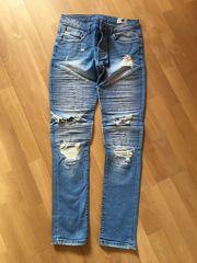 Jeans hellblau Gr 30 32
