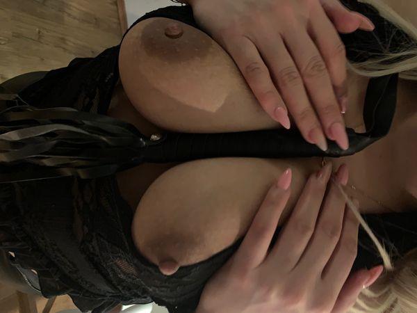 Ölmassage mit heißem Handjob