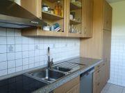 Vollfunktionsfähige Küche mit Elektrogeräten