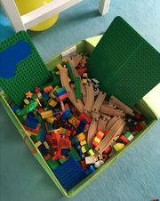 Lego Duplo und holzeisenbahn