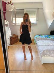 Schwarzes sexy Kleid von H