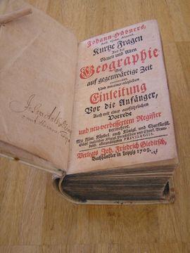 Sonstige Antiquitäten - Buch antik Hübner 1709 - Kurze