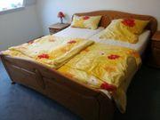 schönes Doppelbett Massiv Kiefer Lattenroste