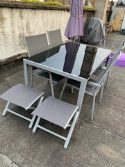 Garten Tisch mit Stühle und