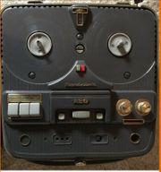 AEG Magnetophon 76 im Koffer