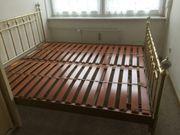 Wunderschönes messingfarbenes Doppelbett mit 4